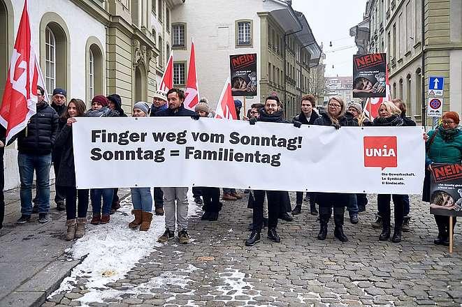 Angriff auf Arbeitsbedingungen im Verkauf: Sonntagsarbeit stoppen!